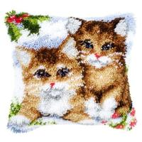 Snow Cats Christmas Latch Hook Cushion Front Kit Vervaco