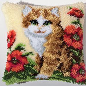 Kitten In Poppies Latch Hook cushion Front kit