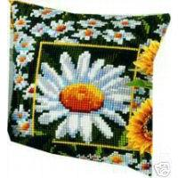 "PRETTY DAISY Cushion Front Tapestry Kit Vervaco 16""x16"